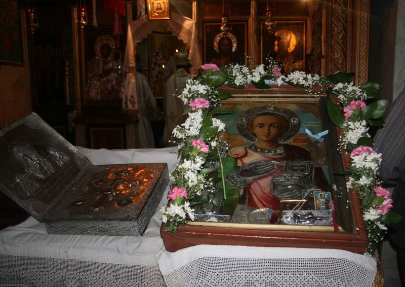 ايقونة القديس الموجودة داخل الدير