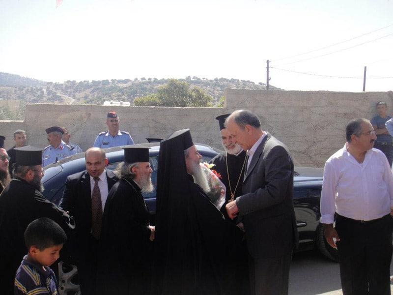 محافظ منطقة عجلون يستقبل البطريرك