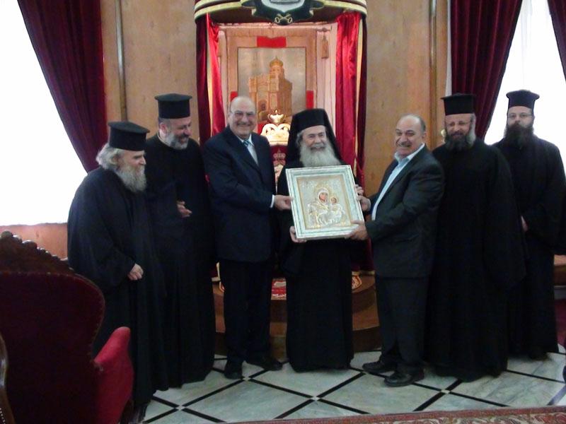 غبطة البطريرك وابناء طائفة الروم الارثوذكس في قرية بيت ساحور