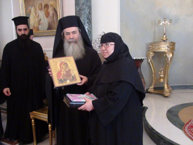 مجموعة من جزيرة قبرص تزور البطريركية الارثوذكسية
