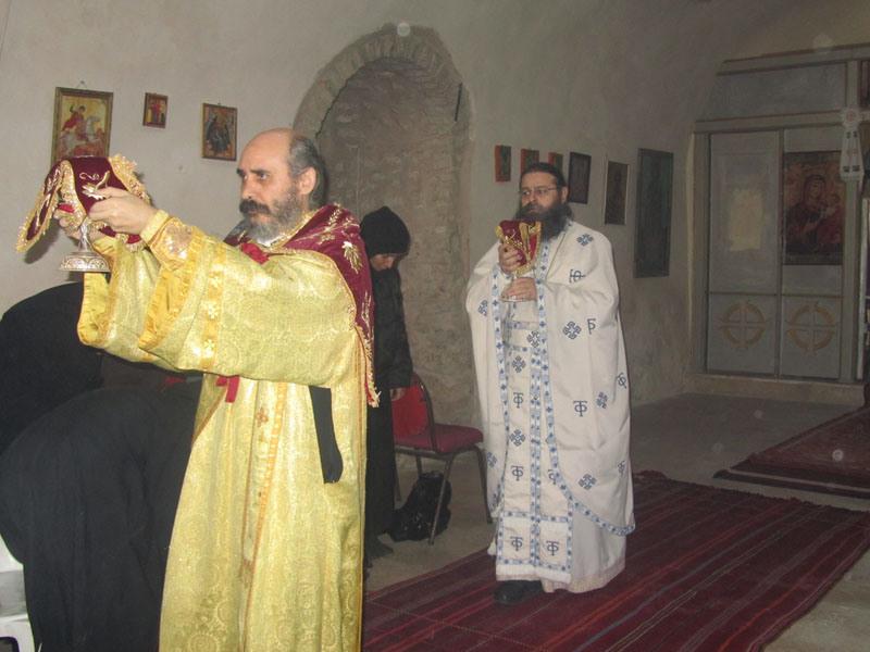 الاحتفال بعيد القديس موذيستوس