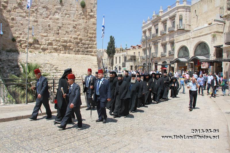 اخوية القبر المقدس تزور البطريركية الارمنية
