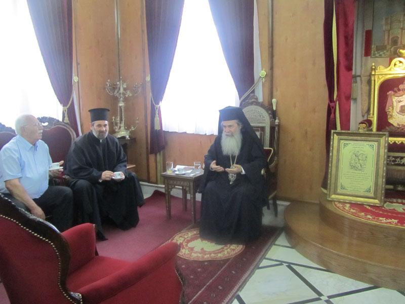اعضاء من طائفة الروم الارثوذكسية في البقيعة يزورون بطريركية الروم الارثوذكسية