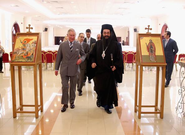 الأمير تشارلز يزور كنيسة الروم الارثوذكس في قطر