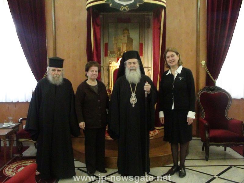 """وفد من مؤسسة """"FOUR HOMES MERCY"""" يزور بطريركية الروم الارثوذكسية"""