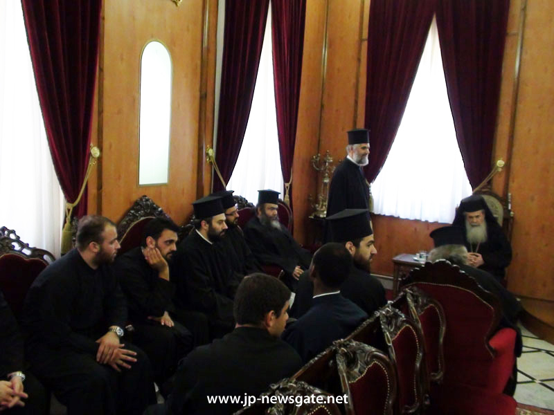 01-1المدرسة الاكليريكية القبرصية تزور البطريركية الاورشليمية