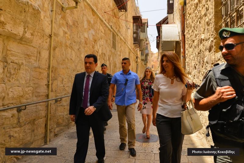 01وزير الدفاع القبرصي يزور البطريركية الاورشليمية