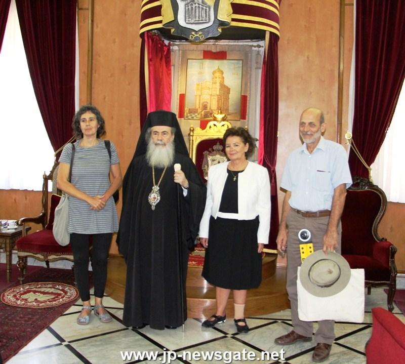 02المحاضرة الجامعية انطونيا موروبولوس تزور القبر المقدس مرة أخرى