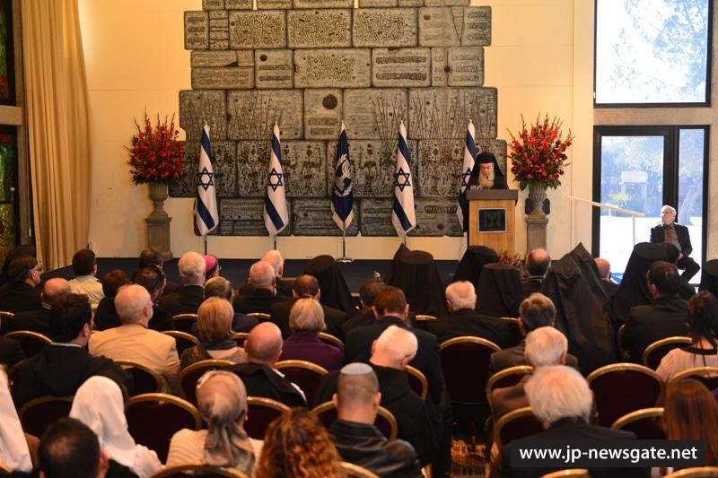 01لقاء رئيس دولة اسرائيل برؤساء الكنائس المسيحية في الاراضي المقدسة