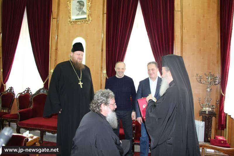 01تكريم متروبوليت كاترينبورغ في البطريركية ألاورشليمية