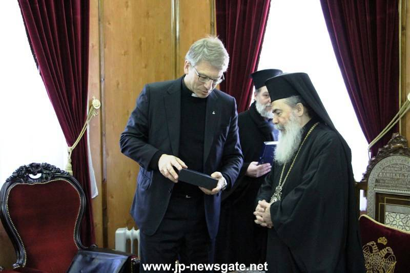 05السكرتير العام لمجلس الكنائس العالمي يزور البطريركية