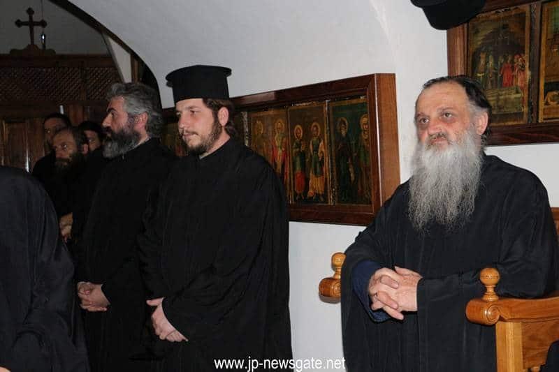 01خدمة صلاة تقديس الزيت في البطريركية ألاورشليمية