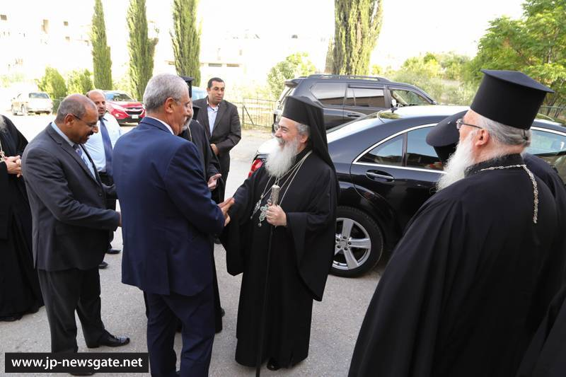 01توزيع الشهادات على خريجي مدرسة الرعاة في بيت ساحور