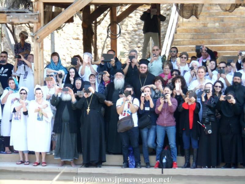 01برامون عيد الظهور ألالهي في البطريركية ألاورشليمية