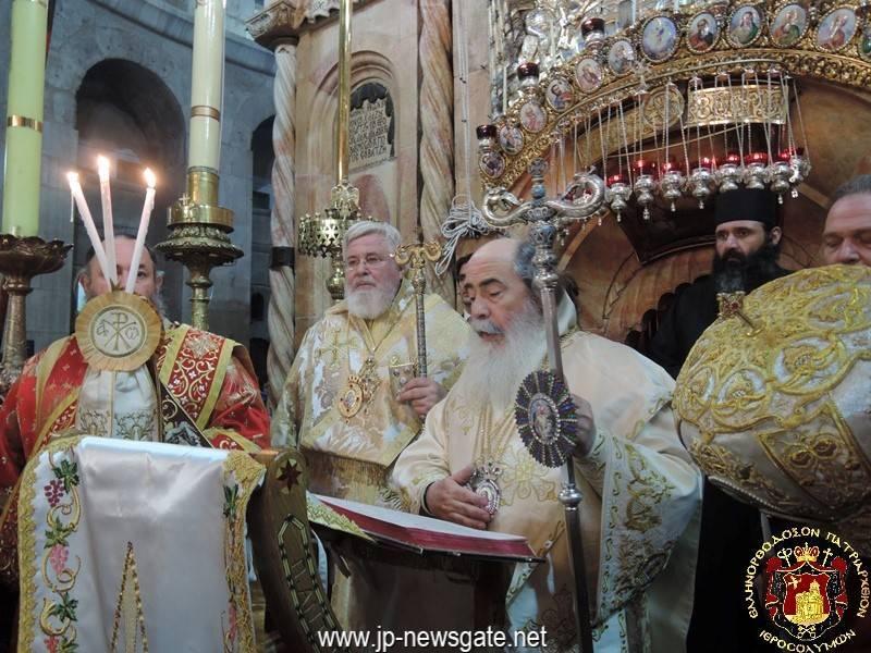 003قداس عيد الفصح المجيد في كنيسة القيامة 2017