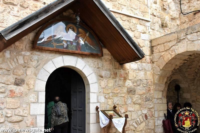 04خدمة القداس ألالهي بمناسبة عيد رؤساء الاجناد البلدة القديمة