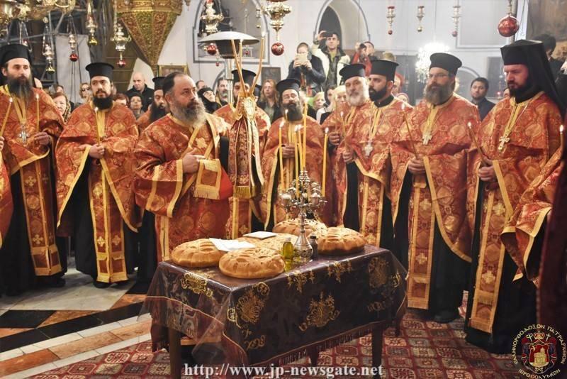 01برامون عيد الميلاد المجيد في البطريركية الأورشليمية