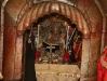 نيافة متروبوليت كابيتوليا ايسيخوس وهو يترأس صلاة التقبيلة ثاني يوم عيد الفصح