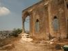 صورة للكنيسة المهجورة المراد ترميمها