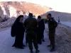 غبطة البطريرك والجنود الاسرائيليين السيد اتسيك والسيد ابي في مكان العمل.