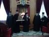 طائفة كرك الارثوذكسية ترسل شجرة ميلاد صغيرة مزينة لغبطة البطريرك