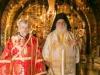 رسامة كاهن روسي جديد في الجلجثة في كنيسة القيامة