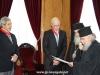 03غبطة البطريرك يُكرم السيد فرانك فيجينبوم والسيد ماريوس باباذوبولوس
