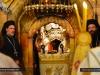 05غبطة بطريرك الاسكندرية وغبطة بطريرك اورشليم يترأسان قداساً الهيا ً في القبر المقدس