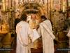 08غبطة بطريرك الاسكندرية وغبطة بطريرك اورشليم يترأسان قداساً الهيا ً في القبر المقدس