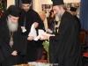 15تقطيع كعكة الفاسيلوبيتا في مقر الجالية اليونانية في القدس