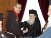 07غبطة البطريرك يُكرم الرئيس الروحي لأخوية الفرنسيسكان