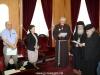09غبطة البطريرك يُكرم الرئيس الروحي لأخوية الفرنسيسكان