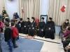 02غبطة البطريرك يوزّع الهدايا على تلاميذ مدرسة القديس ديميتريوس