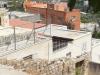 2. منظر جانبي للكنيسة من منحدر يعلوها