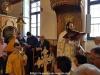 9غبطة البطريرك يترأس خدمة القداس الالهي في بلدة الرينه