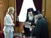 02غبطة البطريرك يُكرم حاكم مدينة شاروف الأوكرانية
