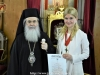 03غبطة البطريرك يُكرم حاكم مدينة شاروف الأوكرانية